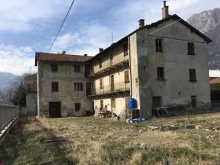 Photo - Country house via caduti del lavoro, Pont-Saint-Martin