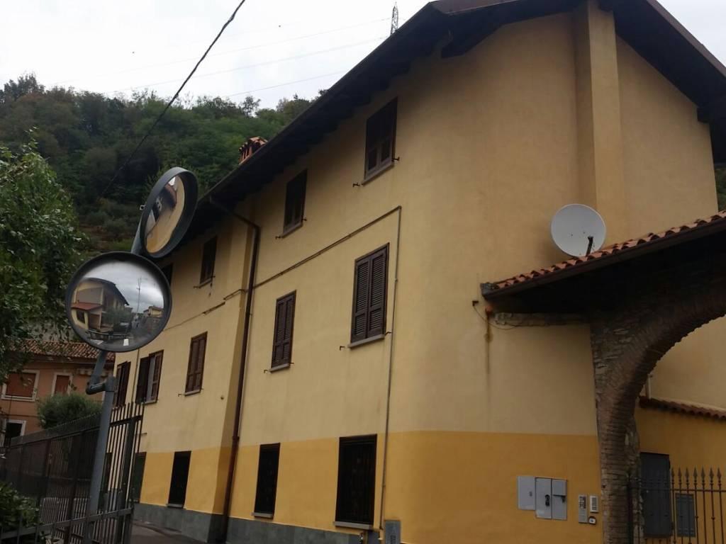 foto  Rustico / Casale, da ristrutturare, 75 mq, Adro