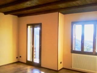 Foto - Bilocale via Giardini 9, San Benedetto Val di Sambro