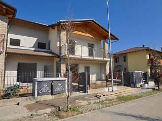 Foto - Casa indipendente via GORIZIA, Chignolo d'Isola