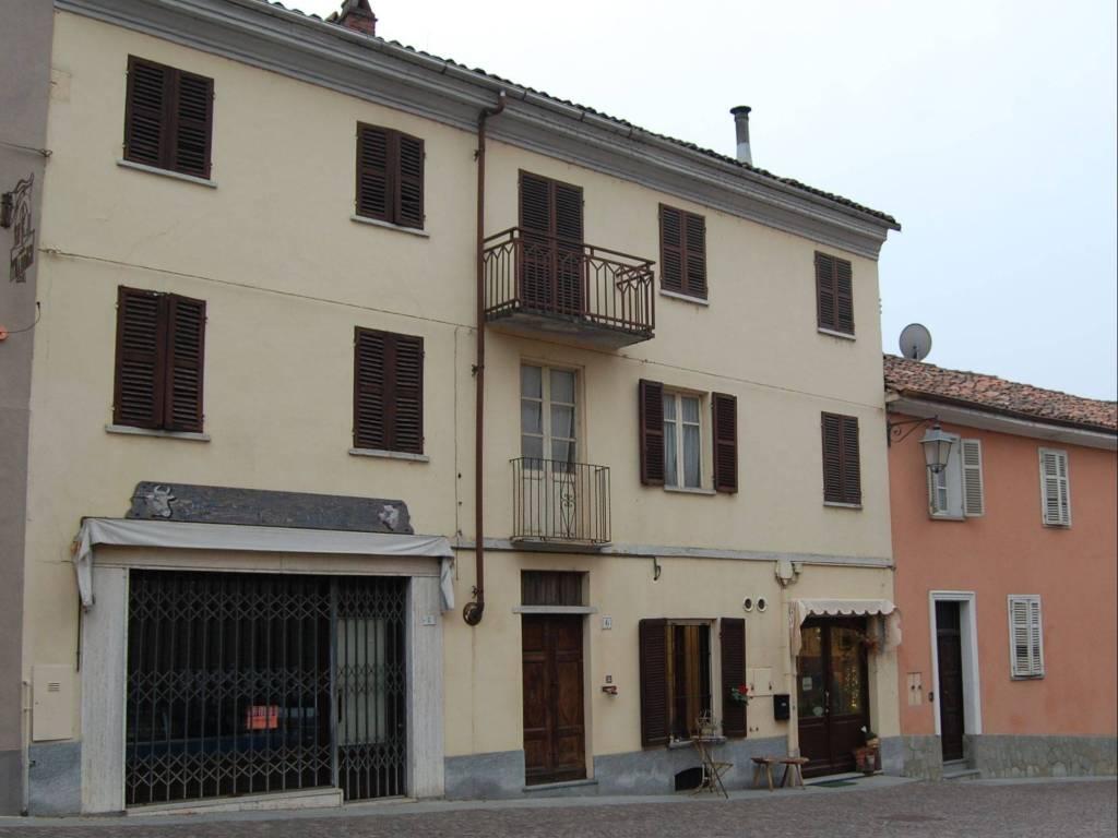 foto  Casa indipendente piazza Caduti 6, San Martino Alfieri