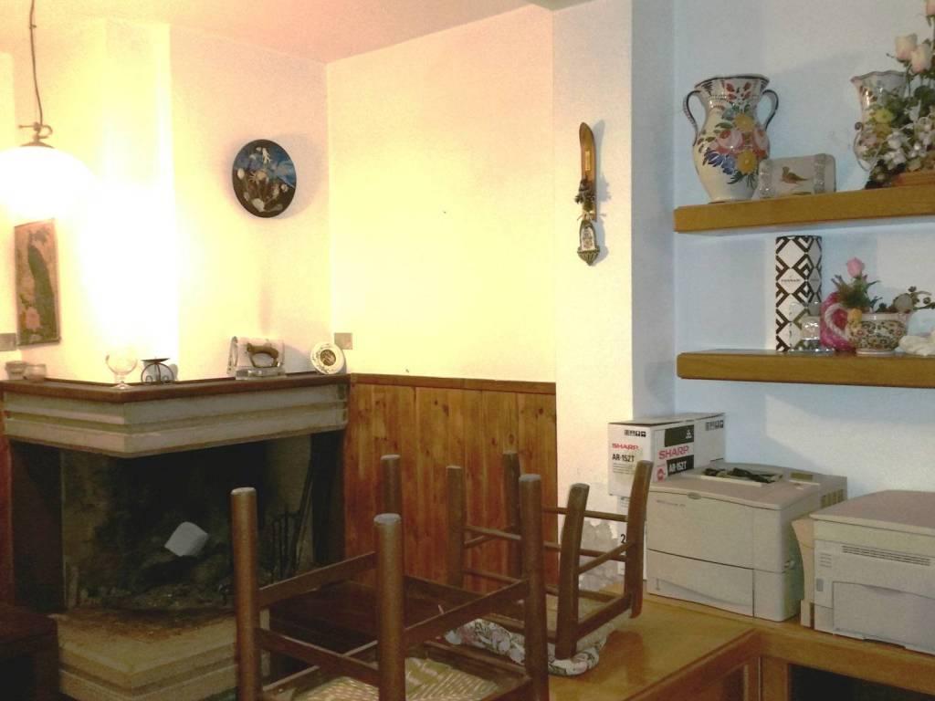 foto  Casa indipendente 186 mq, buono stato, Castel Castagna