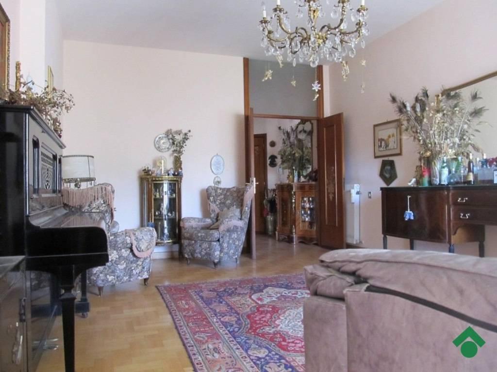 foto salone Appartamento via Giuseppe Mazzini, 41, Poggio Mirteto