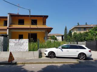 Foto - Villetta a schiera via Giacomo Matteotti, Carnago