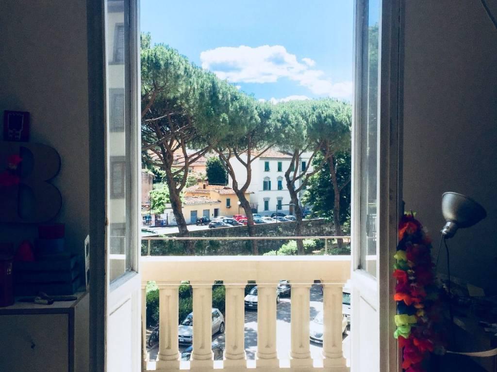 foto affacci terza canera Trilocale via Francesco Caracciolo, Firenze