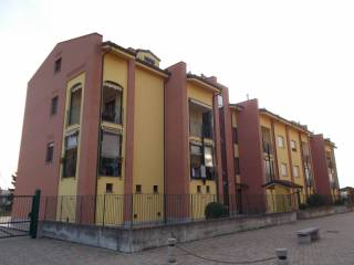 Foto - Bilocale via Lombardore 131, Leinì