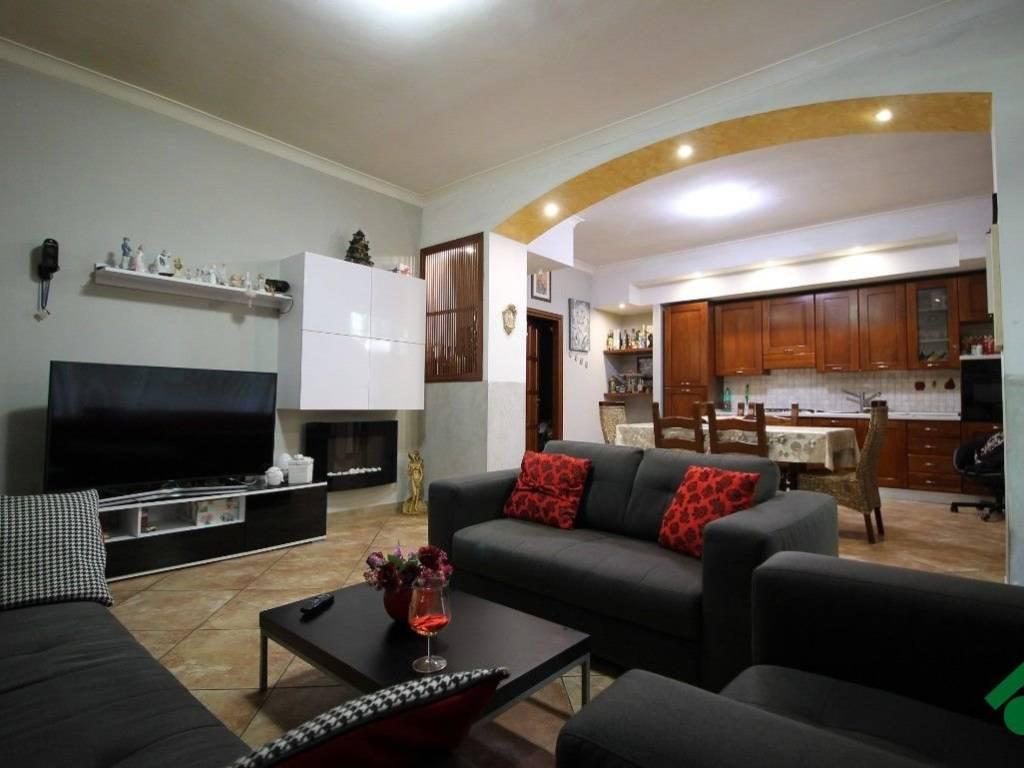 foto Zona living Bilocale 98 mq, Arzano