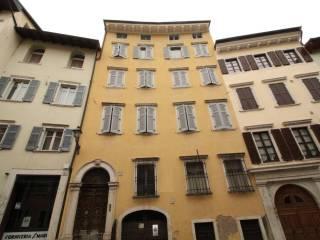 Foto - Palazzo / Stabile quattro piani, da ristrutturare, Rovereto