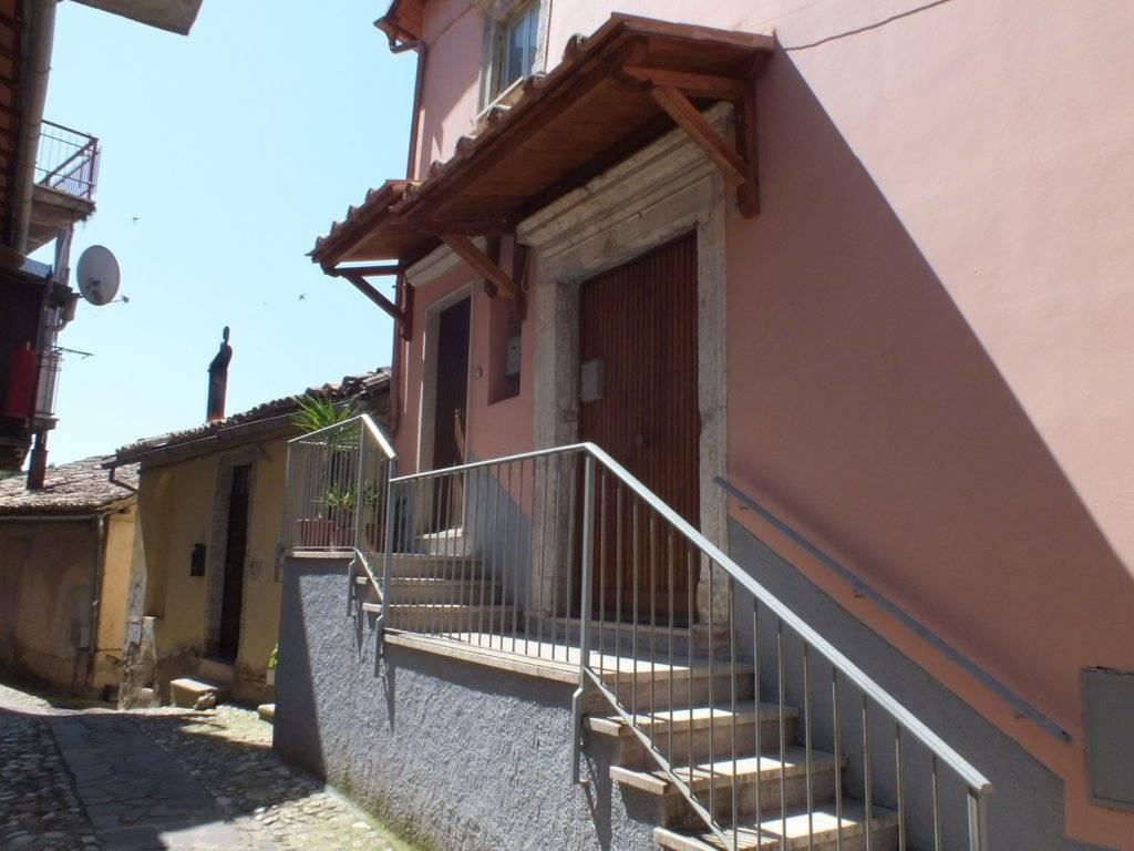 foto facciata Quadrilocale via Camillo Benso di Cavour, Poggio Mirteto