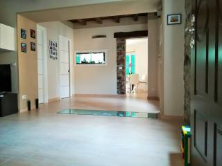 Foto - Casa indipendente piazza Alfredo Lombardi, Dizzasco