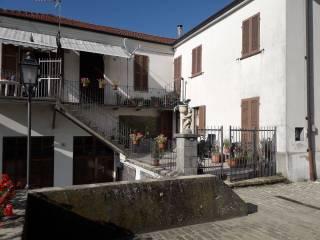 Foto - Casa indipendente via Marte 16-18, Castino