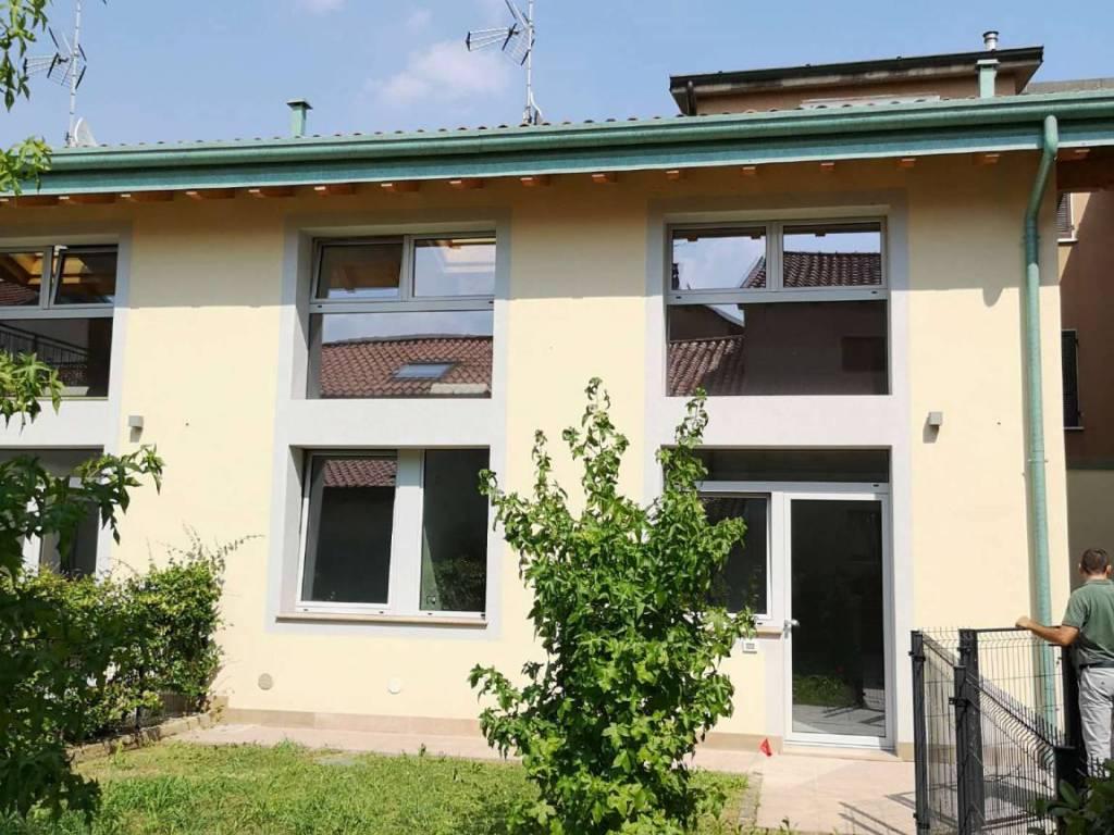 foto facciata Single family villa via pasubio 6, Gessate
