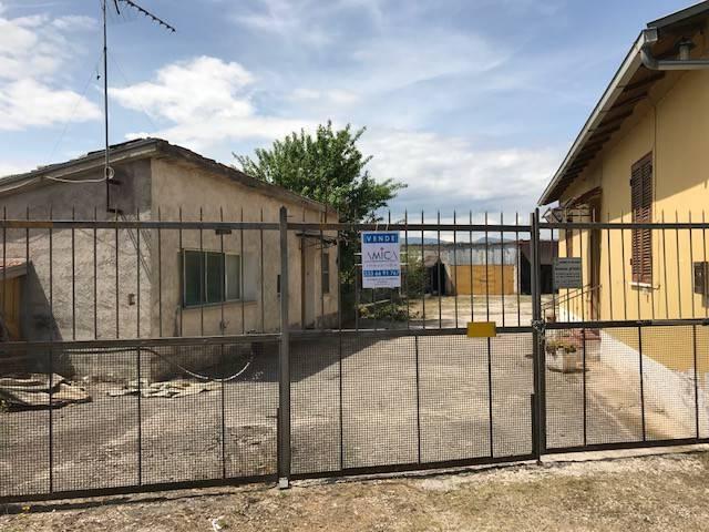 foto  Rustico / Casale via Prato dei Santi, Avezzano