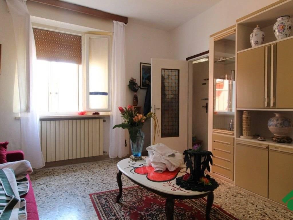 foto  Rustico / Casale 90 mq, Roverbella