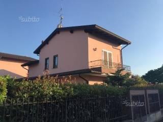 Foto - Villetta a schiera via Chiesa, Magherno
