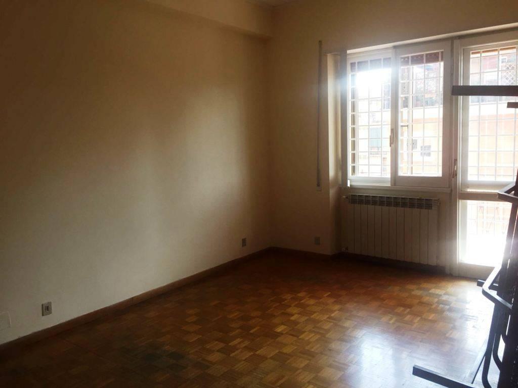 Affitto Appartamento Roma. Trilocale in via Vallebona. Buono stato ...