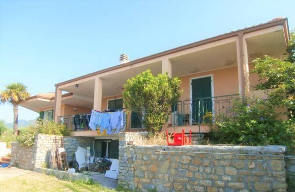 foto  Villa via San Michele, Castellaro