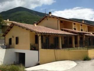 Foto - Villetta a schiera 4 locali, buono stato, Campello sul Clitunno