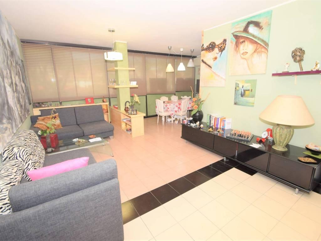 foto soggiorno Appartamento viale Baccelli 33, Montecatini-Terme