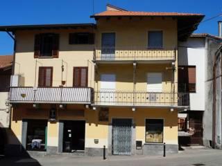 Foto - Bilocale via roma, Varallo Pombia