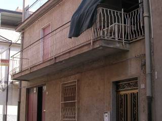 Foto - Casa indipendente via Sardegna 7, Valguarnera Caropepe