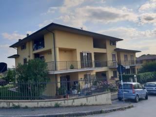 Foto - Bilocale ottimo stato, secondo piano, Brufa, Torgiano