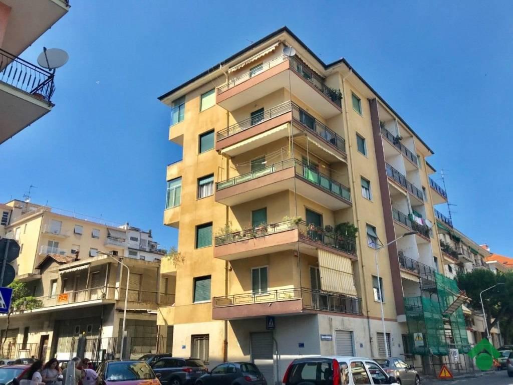 foto 1 Appartamento via A  Armelio, 22, Imperia