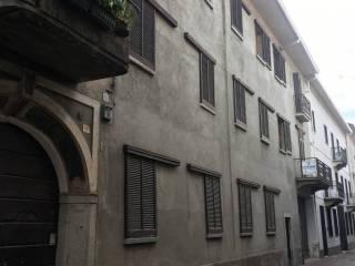 Foto - Palazzo / Stabile via Brunelli Maioni, Borgomanero