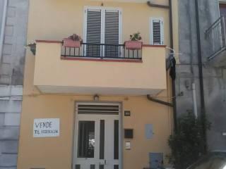 Foto - Casa indipendente via Vittoria 101, Bianco