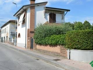 Foto - Casa indipendente via Ponte Alla Ciliegia, Chiesina Uzzanese