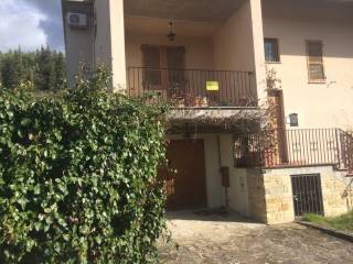Foto - Villetta a schiera via Mariana da Frontillo 11, Valfornace