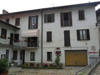 Foto - Trilocale via Maria Piccinelli 5, Brinzio