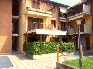 Foto - Bilocale via Alcide De Gasperi, Roncello