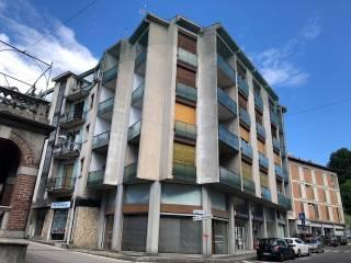 Foto - Trilocale piazza Ugo Foscolo 5, Inverigo