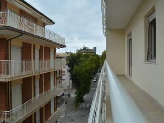 Foto - Quadrilocale via Giacomo Leopardi, Porto San Giorgio