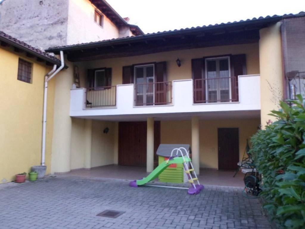 foto  Villa via Callisto Sguazzi 27, Robecco d'Oglio