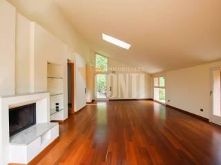 Foto - Appartamento via valle oro 50, Comerio