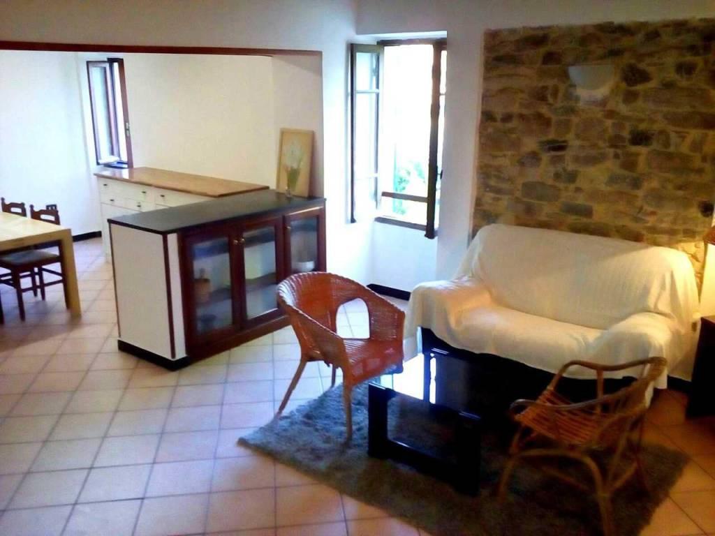 foto Q199 (1).JPG Casa indipendente via Principe Amedeo, Castellaro
