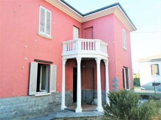 Foto - Villa, da ristrutturare, 203 mq, Albizzate
