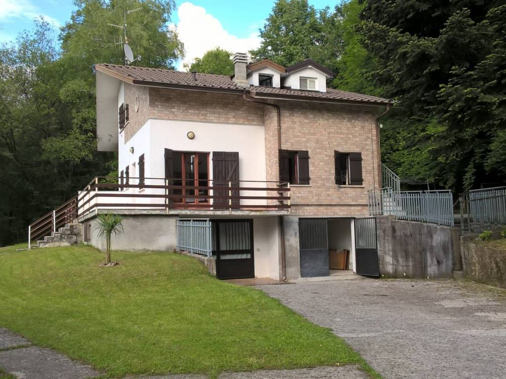 foto  Villa via Lem 34, Alta Valle Intelvi