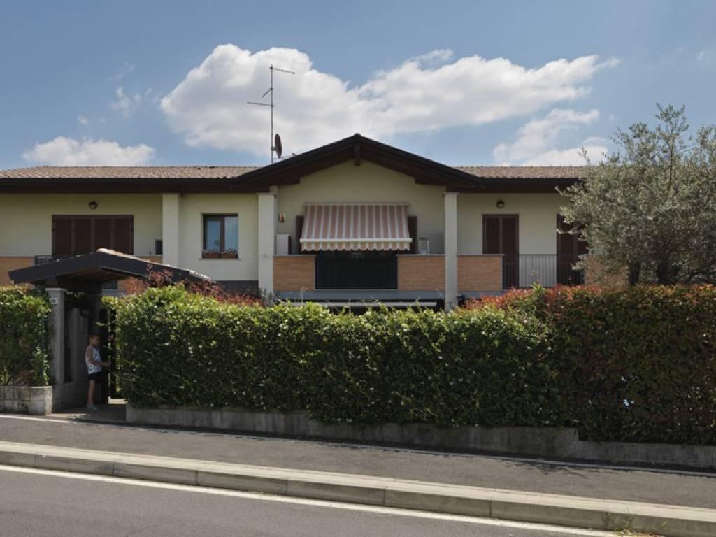 foto Fronte Principale Bilocale via Clemente Larghi, Bregnano