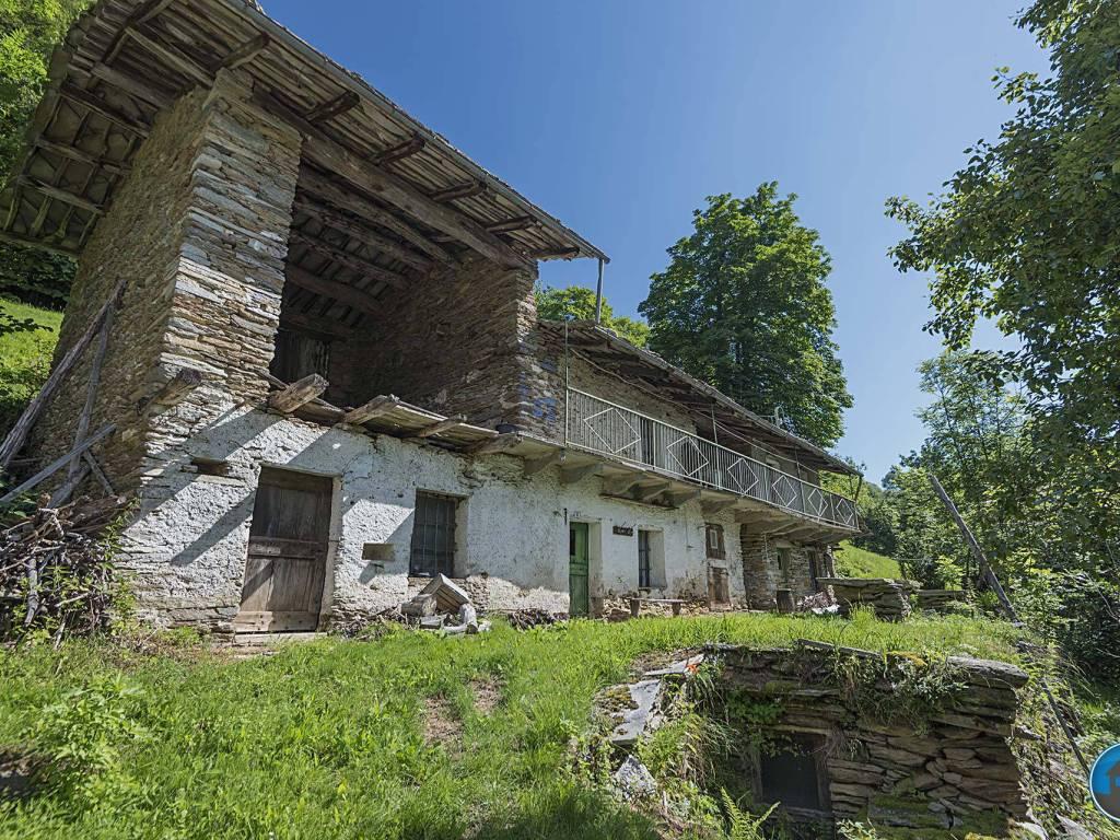 foto facciata Rustico / Casale via Rumer 8, Rorà