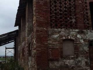 Foto - Monolocale da ristrutturare, su piu' livelli, Podenzano