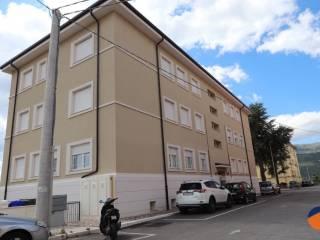 Foto - Trilocale via vincenzo gentile, 2, Centro città, L'Aquila