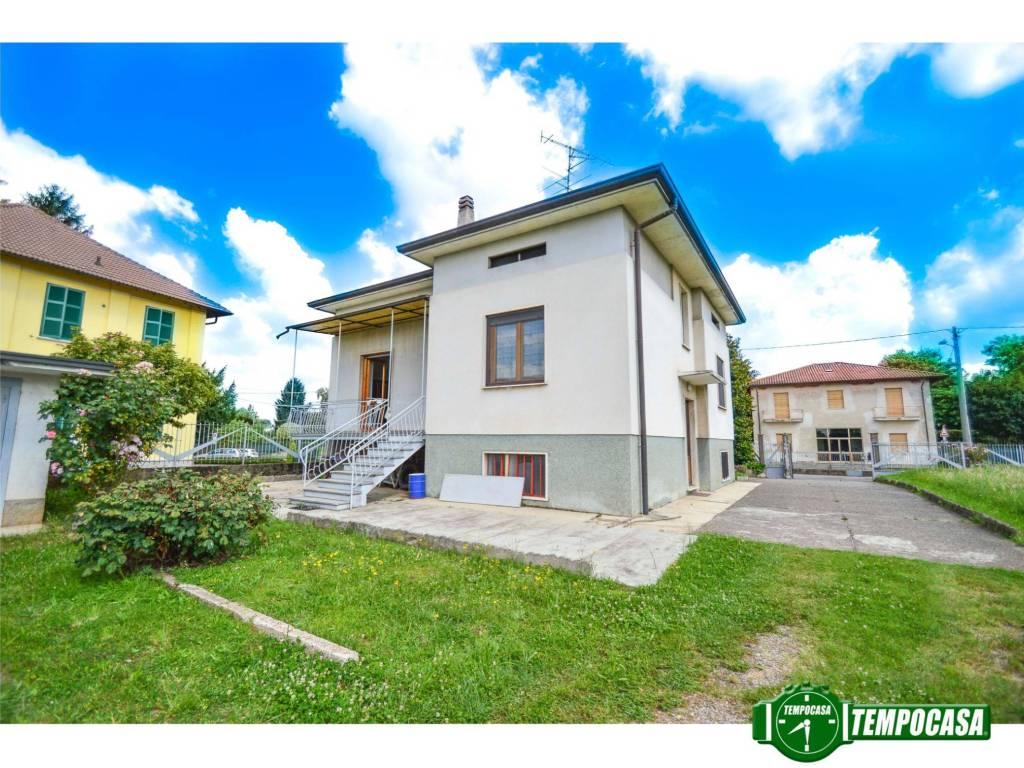 foto Esterno Villa via Cesare Battisti 2, Limido Comasco