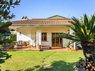 Foto - Villa via 20 Settembre, Cinquale, Montignoso