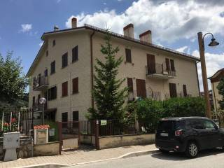 Foto - Trilocale viale delle Vittime 9 Maggio, Rocca di Mezzo