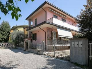 Foto - Villa via Padre Reginaldo Giuliani, Saronno