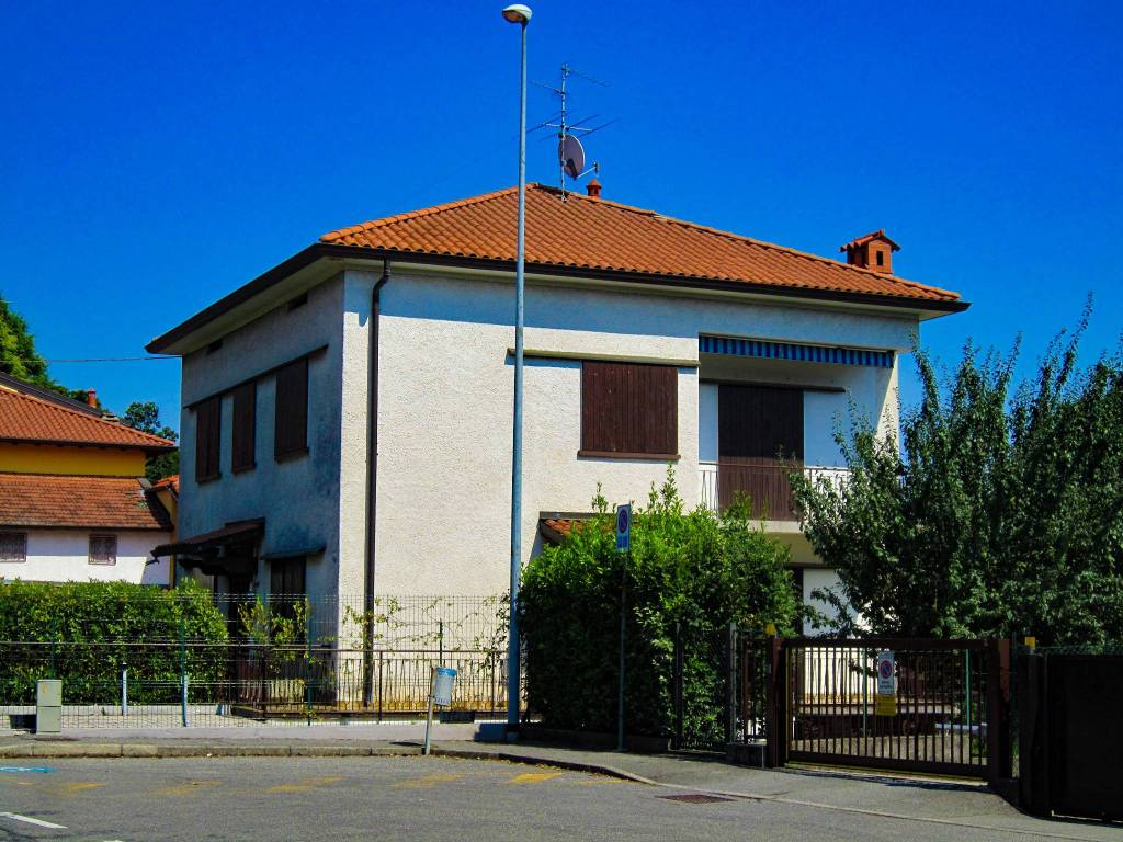foto  3-room flat via del Chioso, Mozzo