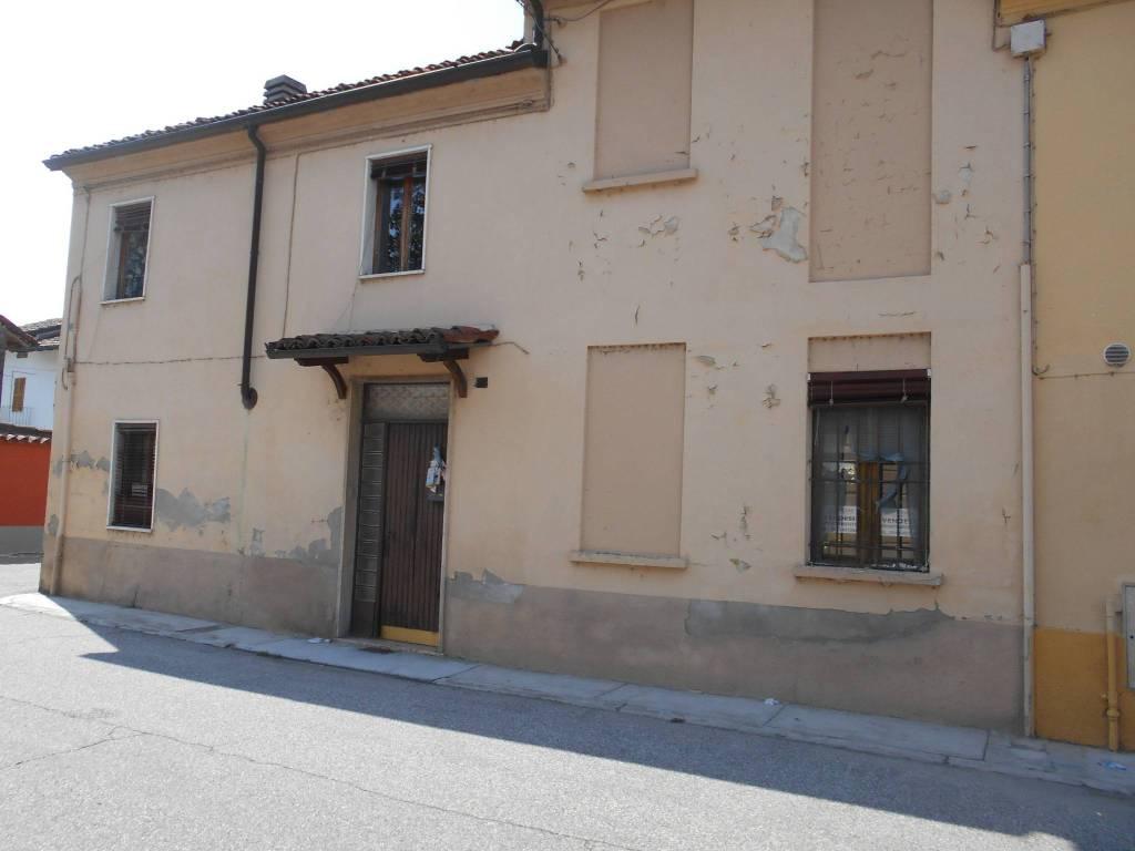 foto  Detached house via Po, Frassineto Po